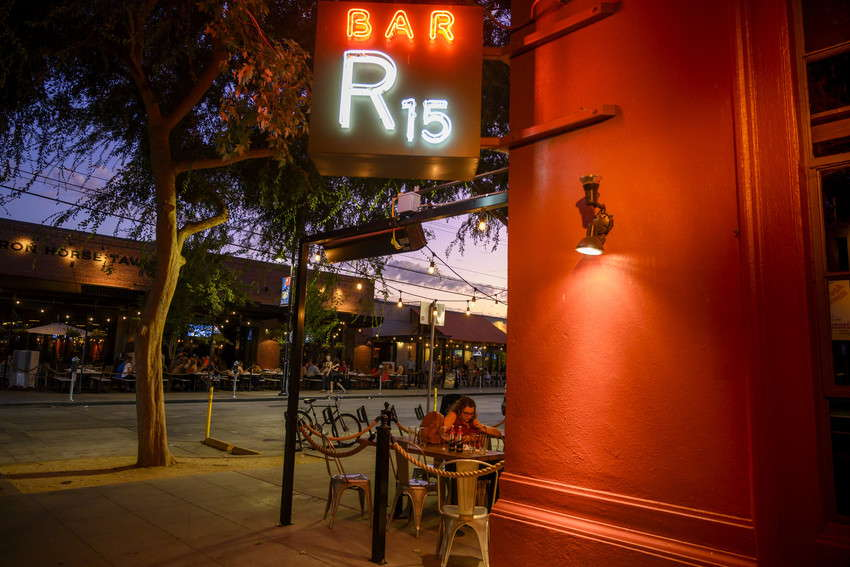 Annemarie_Meyer_-_Bar_R15_-_Sacramento_shot